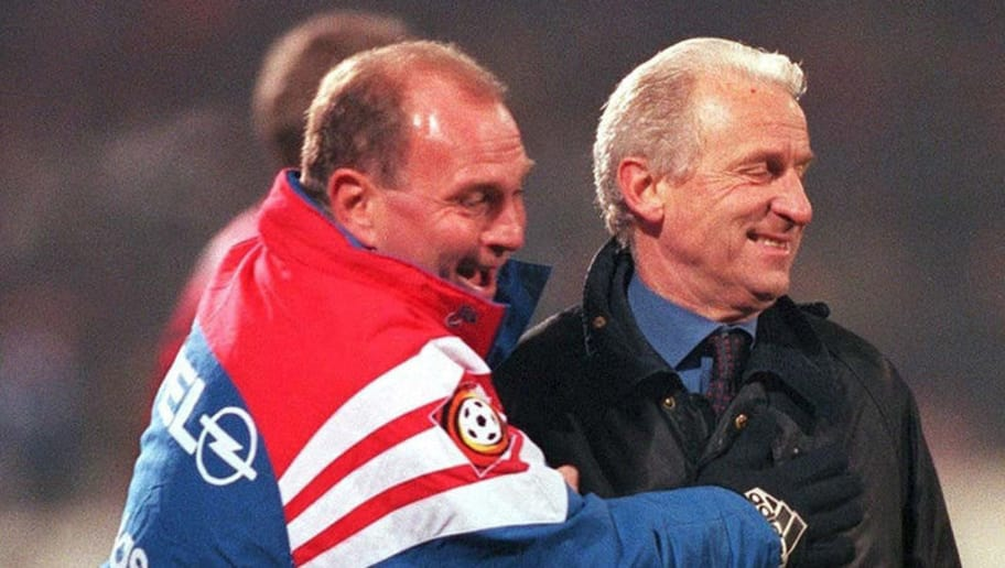 GERMANY - DECEMBER 20:  FUSSBALL: 1. BUNDESLIGA 97/98 BAYERN MUENCHEN 20.12.97, Manager Uli HOENEss/Trainer Giovanni TRAPATTONI  (Photo by Frank Peters/Bongarts/Getty Images)