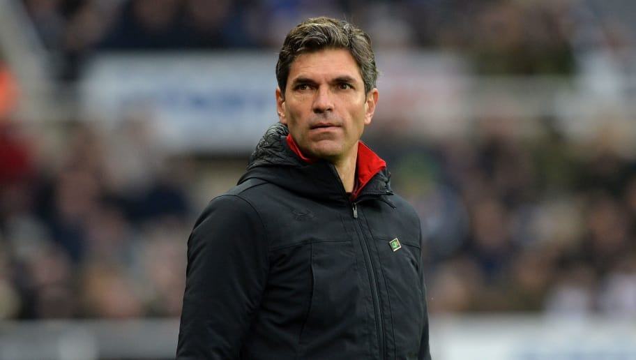 NEWCASTLE UPON TYNE, ENGLAND - MARCH 10: Southampton manager Mauricio Pellegrino on the touch line during the Premier League match between Newcastle United and Southampton at St. James Park on March 10, 2018 in Newcastle upon Tyne, England. (Photo by Mark Runnacles/Getty Images)