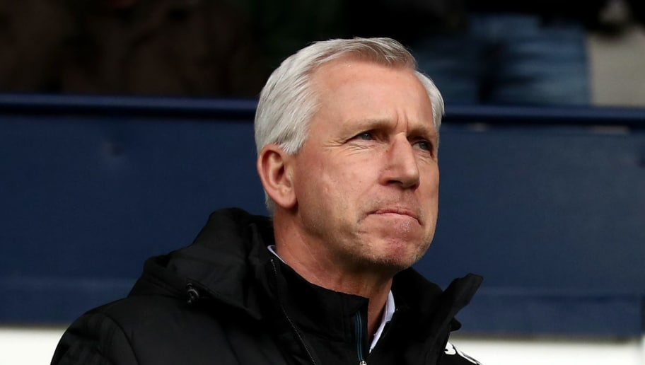 WEST BROMWICH, ENGLAND - MARCH 10:  Alan Pardew, Manager of West Bromwich Albion during the Premier League match between West Bromwich Albion and Leicester City at The Hawthorns on March 10, 2018 in West Bromwich, England.  (Photo by Clive Mason/Getty Images)