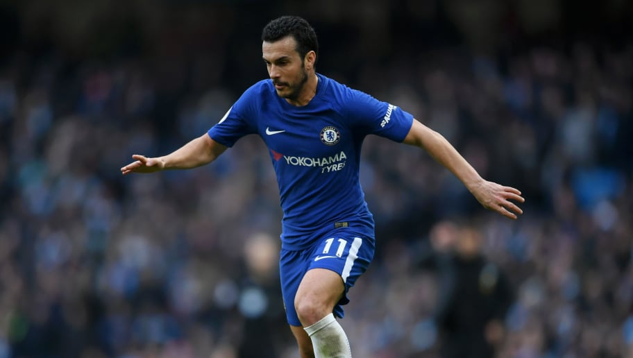 MANCHESTER, ENGLAND - MARCH 04:  Pedro of Chelsea runs with the ball during the Premier League match between Manchester City and Chelsea at Etihad Stadium on March 4, 2018 in Manchester, England.  (Photo by Laurence Griffiths/Getty Images)