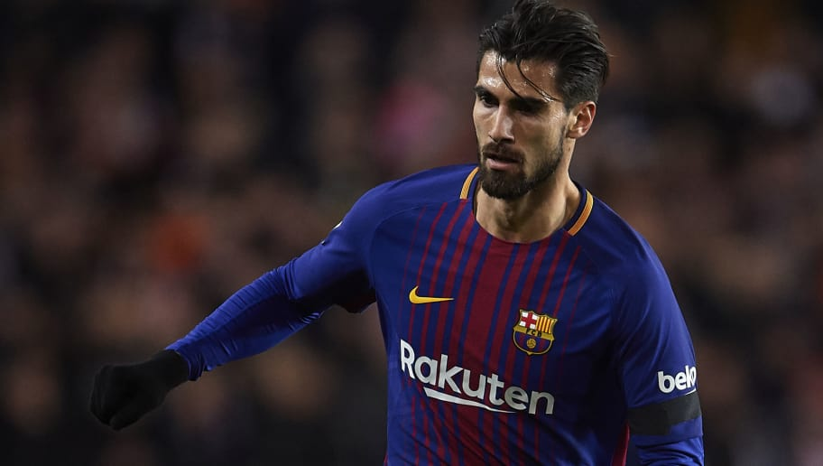 VALENCIA, SPAIN - FEBRUARY 08:  Andre Gomes of Barcelona in action during the Copa de Rey semi-final second leg match between Valencia and Barcelona on February 8, 2018 in Valencia, Spain.  (Photo by Manuel Queimadelos Alonso/Getty Images)