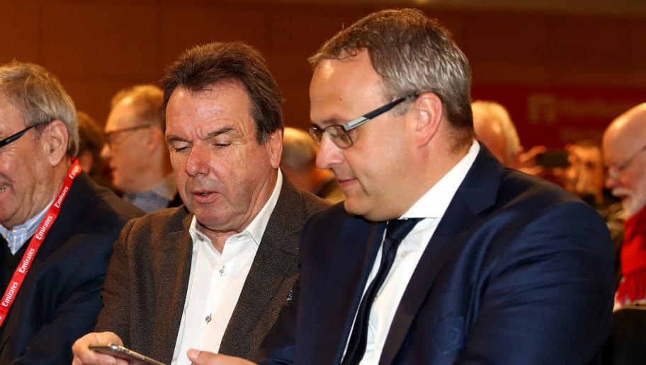 HAMBURG, GERMANY - JANUARY 08:  The new Executive Director of Sport, Heribert Bruchhagen, of Hamburger Sport Verein talks to finance director Frank Wettstein during Hamburger SV General Assembly at Congress Center at Volksparkstadion on January 8, 2017 in Hamburg, Germany.  (Photo by Martin Rose/Bongarts/Getty Images)