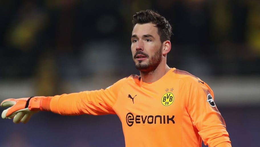 LEIPZIG, GERMANY - MARCH 03: Goalkeeper Roman Buerki of Borussia Dortmund gestures during the Bundesliga match between RB Leipzig and Borussia Dortmund at Red Bull Arena on March 3, 2018 in Leipzig, Germany.  (Photo by Boris Streubel/Bongarts/Getty Images)