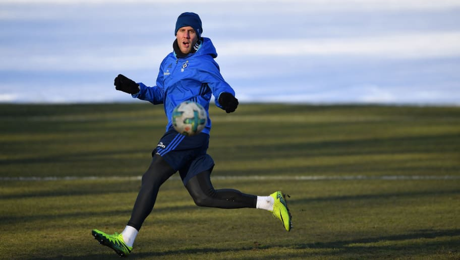 HAMBURG, GERMANY - FEBRUARY 28:  Sven Schipplock of Hamburg in action during a the training session of Hamburger SV at Volksparkstadion on February 28, 2018 in Hamburg, Germany.  (Photo by Stuart Franklin/Bongarts/Getty Images)