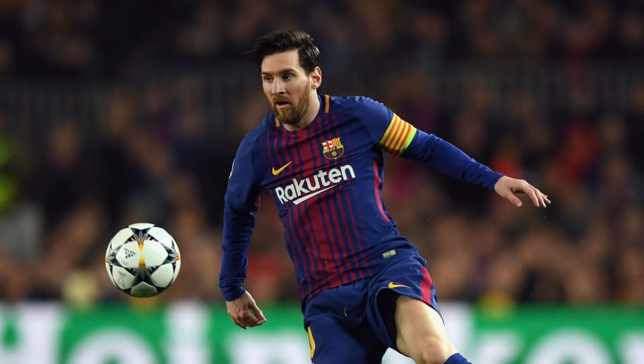 BARCELONA, SPAIN - MARCH 14:  Lionel Messi of Barcelona controls the ball during the UEFA Champions League Round of 16 Second Leg match FC Barcelona and Chelsea FC at Camp Nou on March 14, 2018 in Barcelona, Spain.  (Photo by Shaun Botterill/Getty Images)