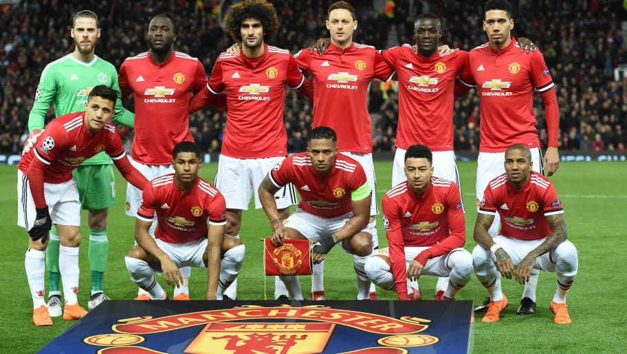(L-R) Manchester United's Spanish goalkeeper David de Gea, Manchester United's Belgian striker Romelu Lukaku, Manchester United's Belgian midfielder Marouane Fellaini, Manchester United's Serbian midfielder Nemanja Matic, Manchester United's Ivorian defender Eric Bailly and Manchester United's English defender Chris Smalling (bottom L-R) Manchester United's Chilean striker Alexis Sanchez, Manchester United's English striker Marcus Rashford, Manchester United's Ecuadorian midfielder Antonio Valencia, Manchester United's English midfielder Jesse Lingard and Manchester United's English midfielder Ashley Young pose before a last 16 second leg UEFA Champions League football match between Manchester United and Sevilla at Old Trafford in Manchester, northwest England on March 13, 2018. / AFP PHOTO / Oli SCARFF        (Photo credit should read OLI SCARFF/AFP/Getty Images)