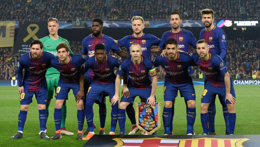 (Back L-R) Barcelona's German goalkeeper Marc-Andre Ter Stegen, Barcelona's French defender Samuel Umtiti, Barcelona's Croatian midfielder Ivan Rakitic, Barcelona's Spanish midfielder Sergio Busquets, Barcelona's Spanish defender Gerard Pique, (L-R) Barcelona's Argentinian forward Lionel Messi, Barcelona's Spanish midfielder Sergi Roberto, Barcelona's French forward Ousmane Dembele, Barcelona's Spanish midfielder Andres Iniesta, Barcelona's Uruguayan forward Luis Suarez and Barcelona's Spanish defender Jordi Alba pose for a group picture ahead of the UEFA Champions League round of sixteen second leg football match between FC Barcelona and Chelsea FC at the Camp Nou stadium in Barcelona on March 14, 2018. / AFP PHOTO / LLUIS GENE        (Photo credit should read LLUIS GENE/AFP/Getty Images)