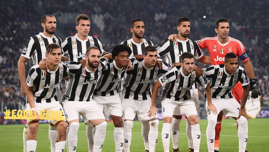 Juventus players (from top left) Juventus' defender from Italy Giorgio Chiellini, Juventus' forward from Croatia Mario Mandzukic, Juventus' defender Medhi Benatia, Juventus' midfielder from Germany Sami Khedira, Juventus' goalkeeper from Italy Gianluigi Buffon, Juventus' forward from Argentina Paulo Dybala, Juventus' forward from Argentina Gonzalo Higuain, Juventus' forward from Colombia Juan Cuadrado, Juventus' midfielder from Italy Stefano Sturaro, Juventus midfielder Miralem Pjanic and Juventus' defender from Brazil Alex Sandro pose before the UEFA Champions League Group D football match Juventus vs Sporting CP at the Juventus stadium on October 17, 2017 in Turin.  / AFP PHOTO / Marco BERTORELLO        (Photo credit should read MARCO BERTORELLO/AFP/Getty Images)