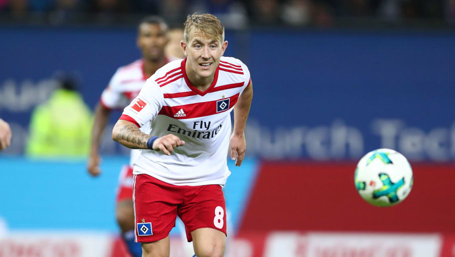 HAMBURG, GERMANY - SEPTEMBER 08:  Lewis Holtby of Hamburg in action during the Bundesliga match between Hamburger SV and RB Leipzig at Volksparkstadion on September 8, 2017 in Hamburg, Germany.  (Photo by Oliver Hardt/Bongarts/Getty Images)