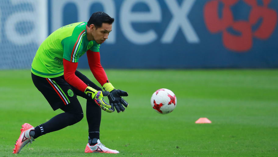MEXICO CITY, MEXICO - OCTOBER 03: Rodolfo Cota goalkeeper of Mexico catches the ball during a Mexico's National Team training session ahead of the Qualifier match against Trinidad & Tobago at CAR on October 03, 2017 in Mexico City, Mexico. (Photo by Hector Vivas/Getty Images)