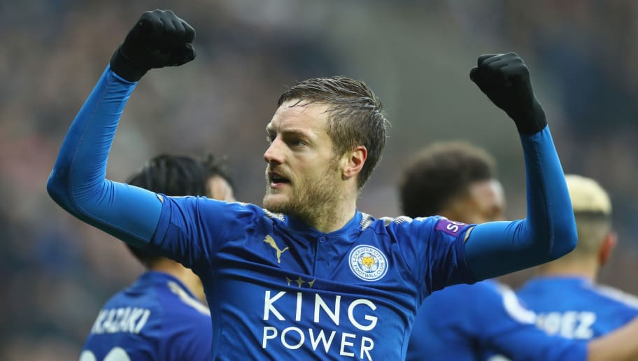 WEST BROMWICH, ENGLAND - MARCH 10: Jamie Vardy of Leicester City celebrates scoring his sides opening goal during the Premier League match between West Bromwich Albion and Leicester City at The Hawthorns on March 10, 2018 in West Bromwich, England.  (Photo by Michael Steele/Getty Images)