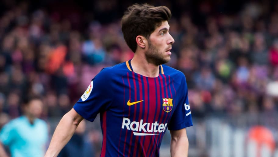 BARCELONA, SPAIN - FEBRUARY 11:  Sergi Roberto of FC Barcelona conducts the ball during the La Liga match between Barcelona and Getafe at Camp Nou on February 11, 2018 in Barcelona, Spain.  (Photo by Alex Caparros/Getty Images)