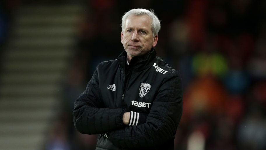 BOURNEMOUTH, ENGLAND - MARCH 17:  Alan Pardew, Manager of West Bromwich Albion reacts during the Premier League match between AFC Bournemouth and West Bromwich Albion at Vitality Stadium on March 17, 2018 in Bournemouth, England.  (Photo by Henry Browne/Getty Images)