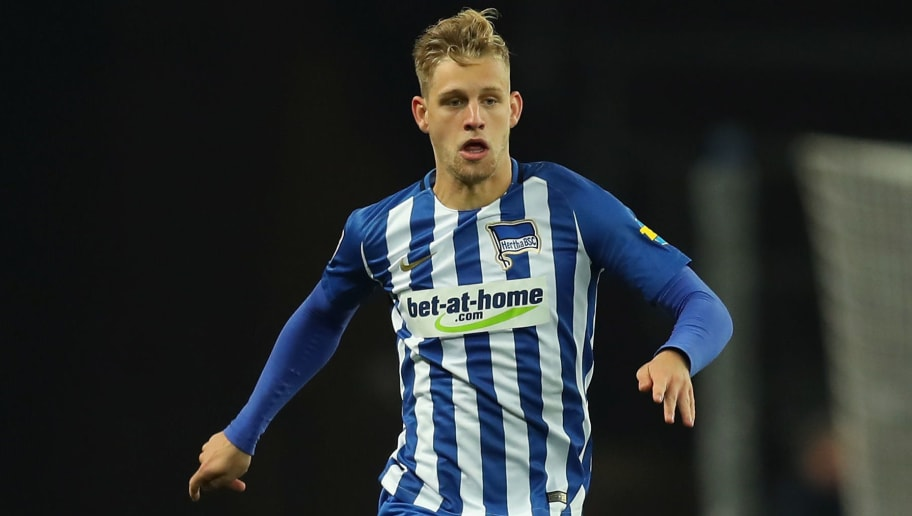 BERLIN, GERMANY - NOVEMBER 18:  Arne Maier of Hertha BSC runs with the ball during the Bundesliga match between Hertha BSC and Borussia Moenchengladbach at Olympiastadion on November 18, 2017 in Berlin, Germany.  (Photo by Boris Streubel/Bongarts/Getty Images)