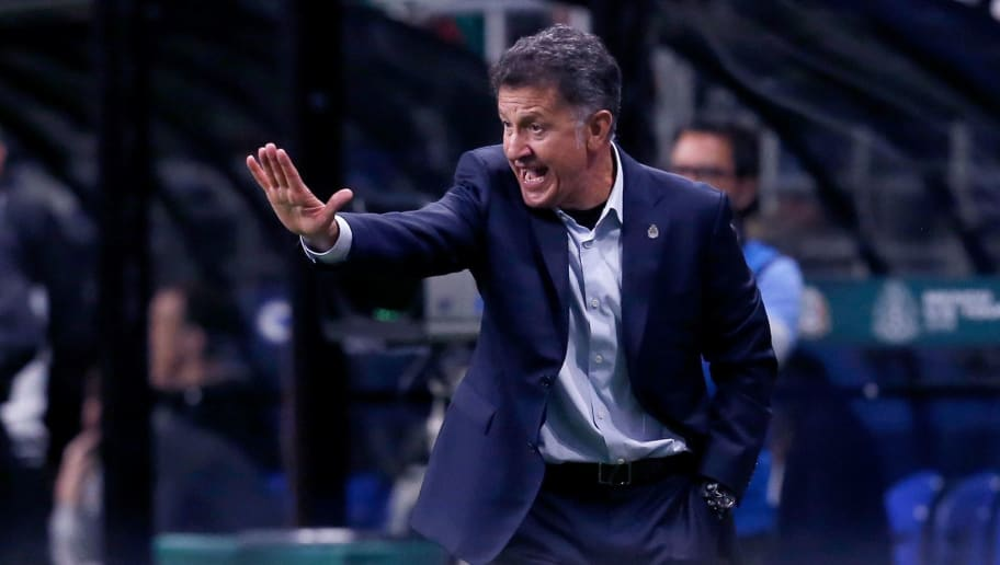 Mexico's head coach Juan Carlos Osorio reacts as his team plays Bosnia and Herzegovina during a friendly football game at the Alamodome in San Antonio, Texas on January 31, 2018. / AFP PHOTO / CHRIS COVATTA        (Photo credit should read CHRIS COVATTA/AFP/Getty Images)