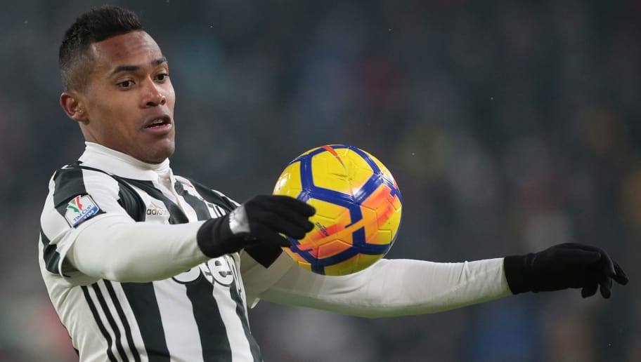 TURIN, ITALY - FEBRUARY 28:  Alex Sandro of Juventus FC controls the ball during the TIM Cup match between Juventus and Atalanta BC at Allianz Stadium on February 28, 2018 in Turin, Italy.  (Photo by Emilio Andreoli/Getty Images)