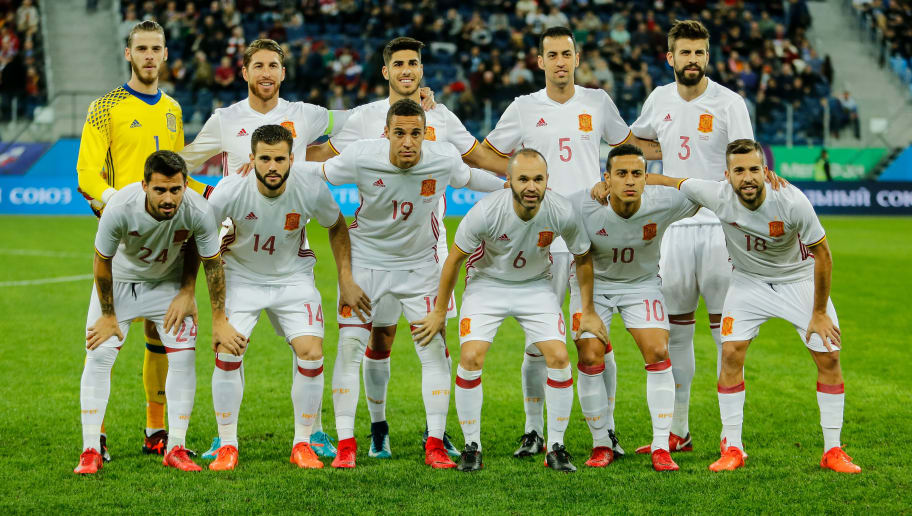 SAINT PETERSBURG, RUSSIA - NOVEMBER 14: Spain national team players pose before Russia and Spain International friendly match on November 14, 2017 at Saint Petersburg Stadium in Saint Petersburg, Russia. (Photo by Epsilon/Getty Images)