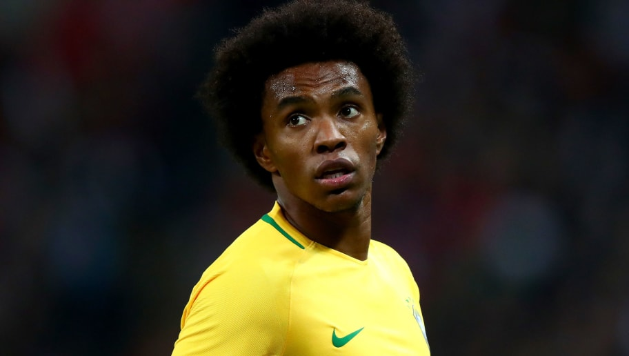 LONDON, ENGLAND - NOVEMBER 14:  Willian of Brazil looks on during the International Friendly match between England and Brazil at Wembley Stadium on November 14, 2017 in London, England.  (Photo by Clive Rose/Getty Images)
