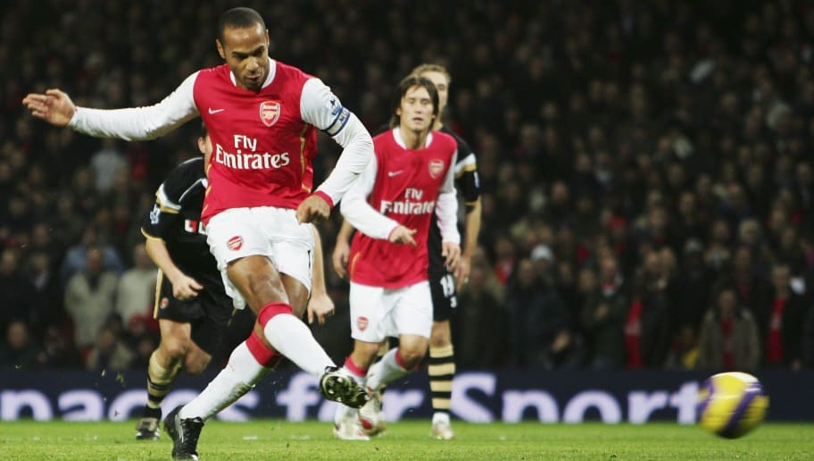 LONDON - JANUARY 02:  Thierry Henry of Arsenal scores their first goal from the penalty spot during the Barclays Premiership match between Arsenal and Charlton Athletic at the Emirates Stadium on January 2, 2007 in London, England.  (Photo by Phil Cole/Getty Images)
