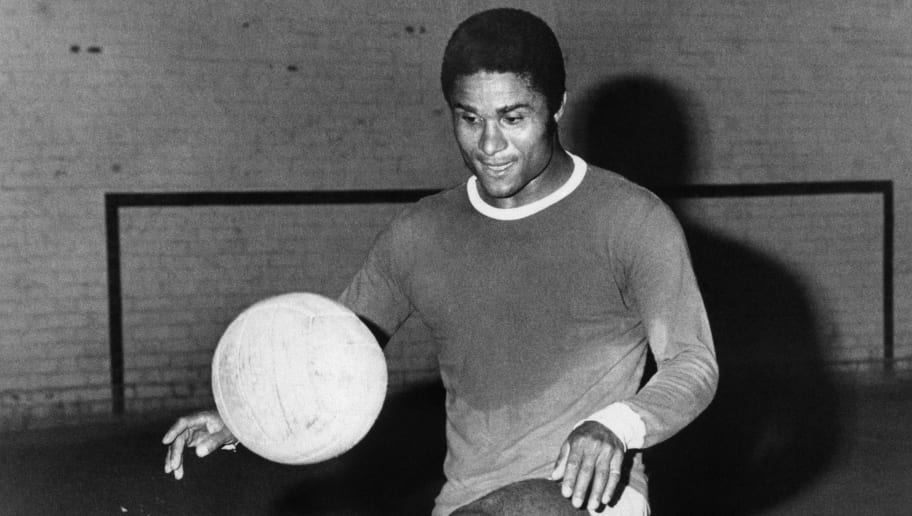(FILES) -- A file handout picture taken in August 1971 shows former Portuguese football legend Eusebio da Silva Ferreira, more commonly known as Eusebio, juggling with a soccer ball. Eusebio, who was the 1965 European Footballer of the Year and considered one of the best footballers of all time and best ever from Portugal, died at age 71 on January 5, 2014. AFP PHOTO           (Photo credit should read STRINGER/AFP/Getty Images)