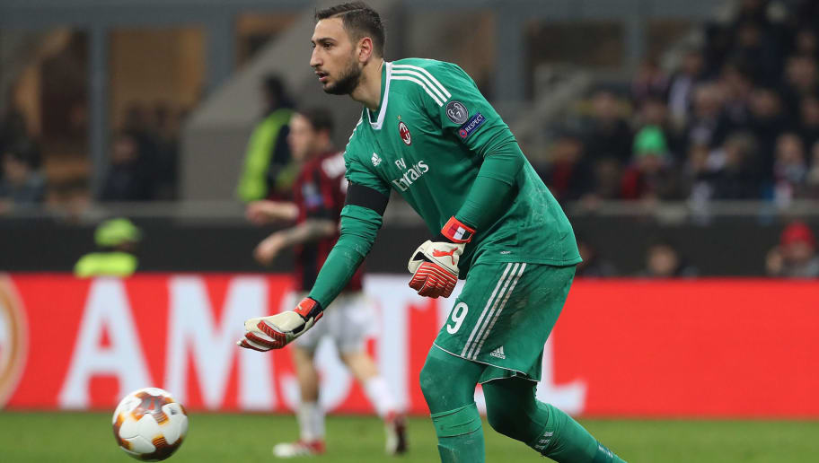 MILAN, ITALY - MARCH 08:  Gianluigi Donnarumma of AC Milan in action during UEFA Europa League Round of 16 match between AC Milan and Arsenal at the San Siro on March 8, 2018 in Milan, Italy.  (Photo by Marco Luzzani/Getty Images)