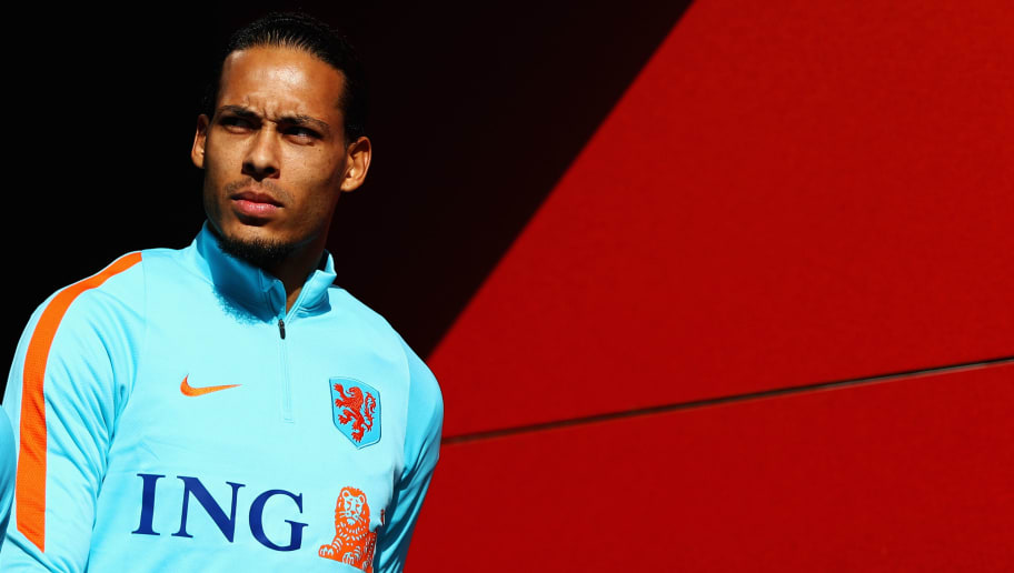 ZEIST, NETHERLANDS - MARCH 20:  Virgil van Dijk of Netherlands looks on during the Netherlands Training session held at KNVB Sportcentrum on March 20, 2018 in Zeist, Netherlands.  The Netherlands will play England in a International Friendly match on March 23 in the Amsterdam ArenA.  (Photo by Dean Mouhtaropoulos/Getty Images)