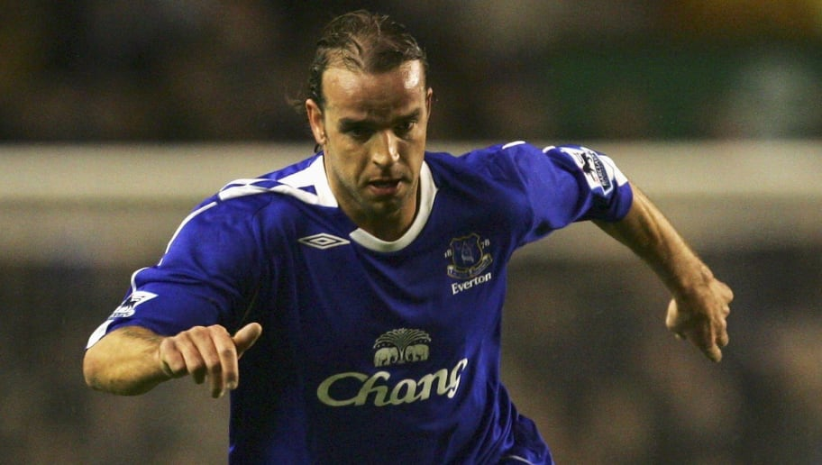 LIVERPOOL, UNITED KINGDOM - DECEMBER 03:  Andy van der Meyde of Everton in action during the Barclays Premiership match between Everton and West Ham United at Goodison Park on December 3, 2006 in Liverpool, England.  (Photo by Laurence Griffiths/Getty Images)