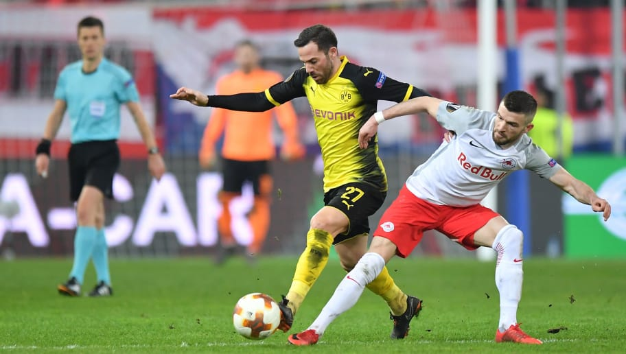 SALZBURG, AUSTRIA - MARCH 15: Gonzalo Castro of Dortmund and Valon Berisha of Salzburg compete for the ball during the UEFA Europa League Round of 16, 2nd leg match between FC Red Bull Salzburg and Borussia Dortmund at the Red Bull Arena on March 15, 2018 in Salzburg, Austria. (Photo by Sebastian Widmann/Bongarts/Getty Images,)