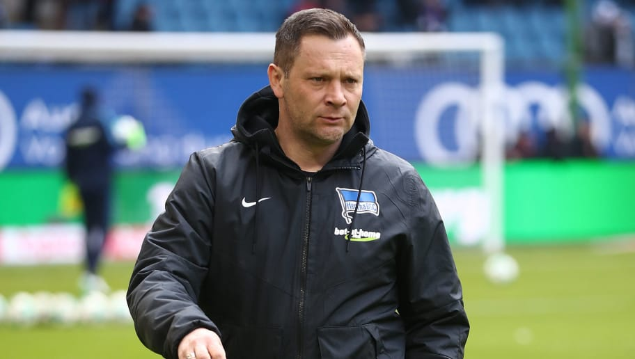 HAMBURG, GERMANY - MARCH 17:  Head coach Pal Dardai of Berlin looks on prior to the Bundesliga match between Hamburger SV and Hertha BSC at Volksparkstadion on March 17, 2018 in Hamburg, Germany.  (Photo by Oliver Hardt/Bongarts/Getty Images)