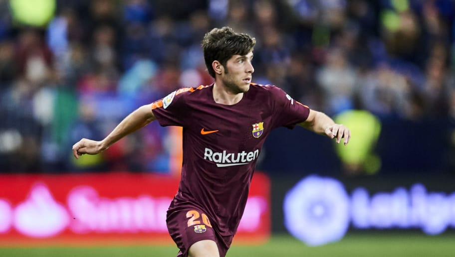 MALAGA, SPAIN - MARCH 10:  Sergi Roberto Carnicer of FC Barcelona controls the ball during the La Liga match between Malaga and Barcelona at Estadio La Rosaleda on March 10, 2018 in Malaga, Spain.  (Photo by Aitor Alcalde/Getty Images)