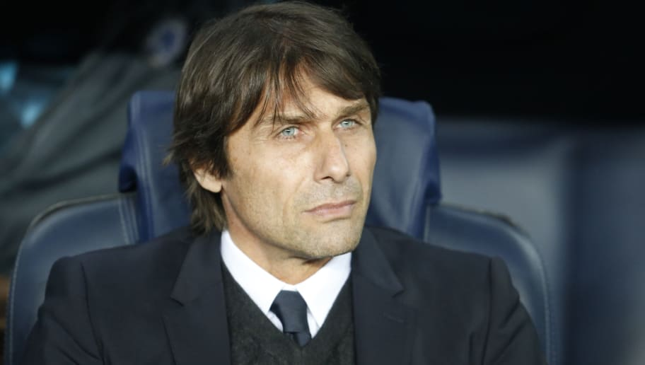 Chelsea's Italian coach Antonio Conte looks on before the UEFA Champions League round of sixteen second leg  football match between FC Barcelona and Chelsea FC at the Camp Nou stadium in Barcelona on March 14, 2018. / AFP PHOTO / Pau Barrena        (Photo credit should read PAU BARRENA/AFP/Getty Images)