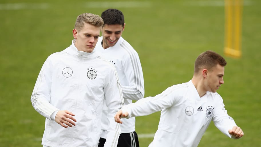 DUESSELDORF, GERMANY - MARCH 21: Matthias Ginter, Lars Stindl and Joshua Kimmich exercise during a Germany training session ahead of their international friendly match against Spain at Paul-Janes-Stadion on March 21, 2018 in Duesseldorf, Germany.  (Photo by Maja Hitij/Bongarts/Getty Images)
