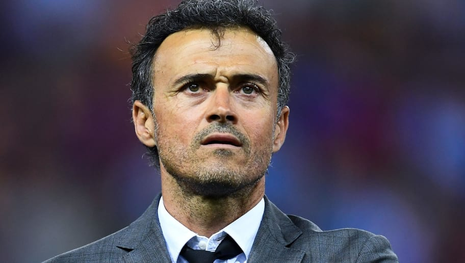 MADRID, SPAIN - MAY 27: Head coach Luis Enrique of FC Barcelona looks on  during the Copa Del Rey Final between FC Barcelona and Deportivo Alaves at Vicente Calderon stadium on May 27, 2017 in Madrid, Spain.  (Photo by David Ramos/Getty Images)