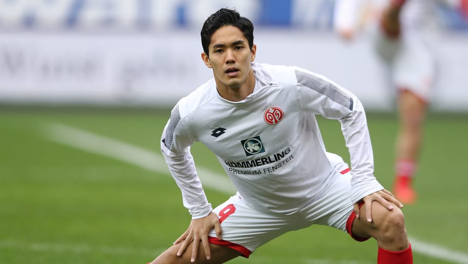 MAINZ, GERMANY - FEBRUARY 03: Yoshinori Muto of Mainz warms up before the Bundesliga match between 1. FSV Mainz 05 and FC Bayern Muenchen at Opel Arena on February 3, 2018 in Mainz, Germany. (Photo by Alex Grimm/Bongarts/Getty Images)