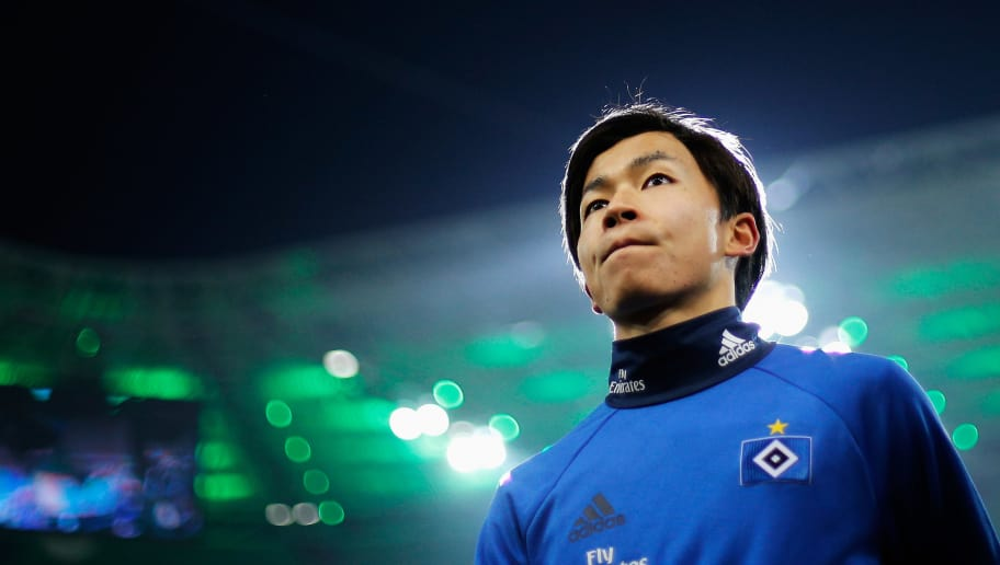 MOENCHENGLADBACH, GERMANY - DECEMBER 15:  Tatsuya Ito of Hamburg looks on prior to the Bundesliga match between Borussia Moenchengladbach and Hamburger SV at Borussia-Park on December 15, 2017 in Moenchengladbach, Germany.  (Photo by Dean Mouhtaropoulos/Bongarts/Getty Images)