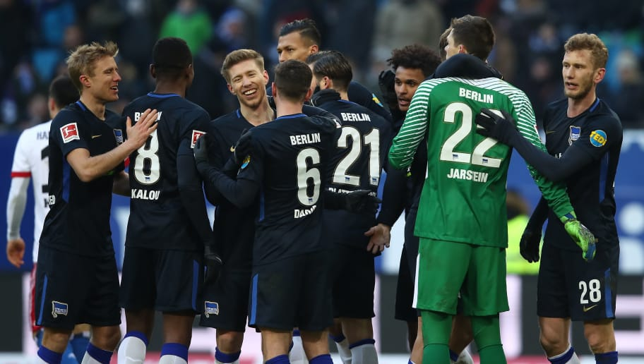 HAMBURG, GERMANY - MARCH 17:   Team of Berlin celebrate after the Bundesliga match between Hamburger SV and Hertha BSC at Volksparkstadion on March 17, 2018 in Hamburg, Germany.  (Photo by Oliver Hardt/Bongarts/Getty Images)