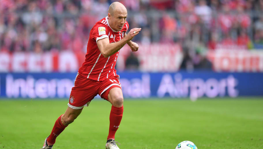 MUNICH, GERMANY - MARCH 10: Arjen Robben of Bayern Muenchen plays the ball during the Bundesliga match between FC Bayern Muenchen and Hamburger SV at Allianz Arena on March 10, 2018 in Munich, Germany. (Photo by Sebastian Widmann/Bongarts/Getty Images)