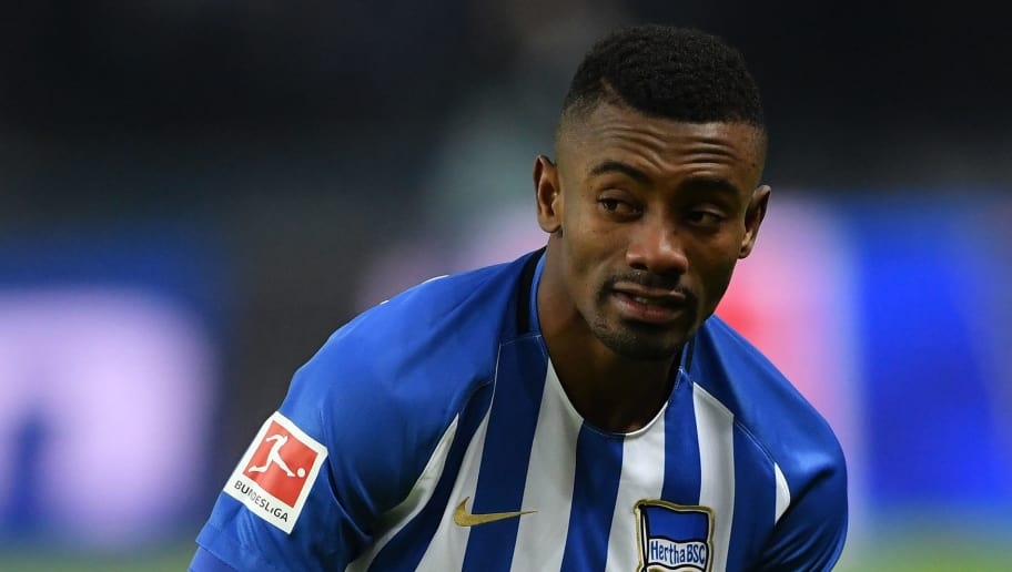 BERLIN, GERMANY - FEBRUARY 16: Salomon Kalou of Berlin looks dejected during the Bundesliga match between Hertha BSC and 1. FSV Mainz 05 at Olympiastadion on February 16, 2018 in Berlin, Germany.  (Photo by Stuart Franklin/Bongarts/Getty Images )