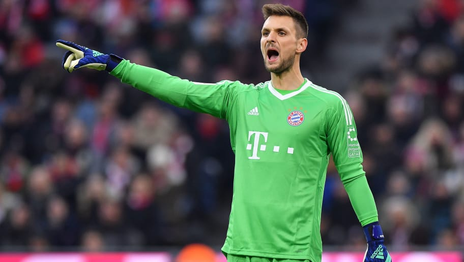 MUNICH, GERMANY - MARCH 31: Goalkeeper Sven Ulreich of Bayern Muenchen points during the Bundesliga match between FC Bayern Muenchen and Borussia Dortmund at Allianz Arena on March 31, 2018 in Munich, Germany. (Photo by Sebastian Widmann/Bongarts/Getty Images)