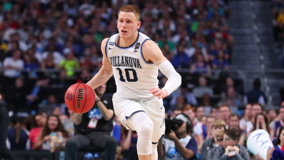 SAN ANTONIO, TX - MARCH 31:  Donte DiVincenzo #10 of the Villanova Wildcats handles the ball on offense against the Kansas Jayhawks in the second half during the 2018 NCAA Men's Final Four Semifinal at the Alamodome on March 31, 2018 in San Antonio, Texas.  (Photo by Tom Pennington/Getty Images)