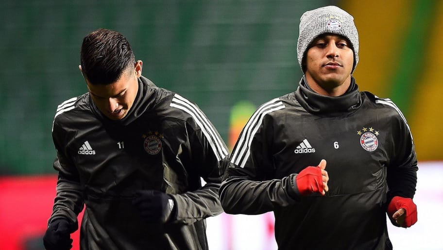 Bayern Munich's Colombian midfielder James Rodriguez, Bayern Munich's Spanish midfielder Thiago Alcantara and Bayern Munich's Spanish midfielder Javier Martinez attends team training session at Celtic Park in Glasgow on October 30, 2017, on the eve of the UEFA Champions League Group B football match between Bayern Munich and Celtic.  / AFP PHOTO / Andy Buchanan        (Photo credit should read ANDY BUCHANAN/AFP/Getty Images)
