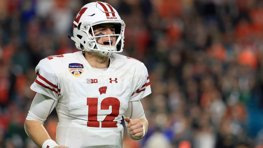 newest a7fa7 4c820 Alex Hornibrook Prepping for Make-or-Break Season With Tom ...