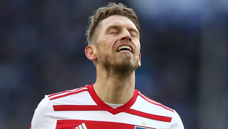 HAMBURG, GERMANY - MARCH 17: Aaron Hunt of Hamburg appears frustrated during the Bundesliga match between Hamburger SV and Hertha BSC at Volksparkstadion on March 17, 2018 in Hamburg, Germany.  (Photo by Oliver Hardt/Bongarts/Getty Images)