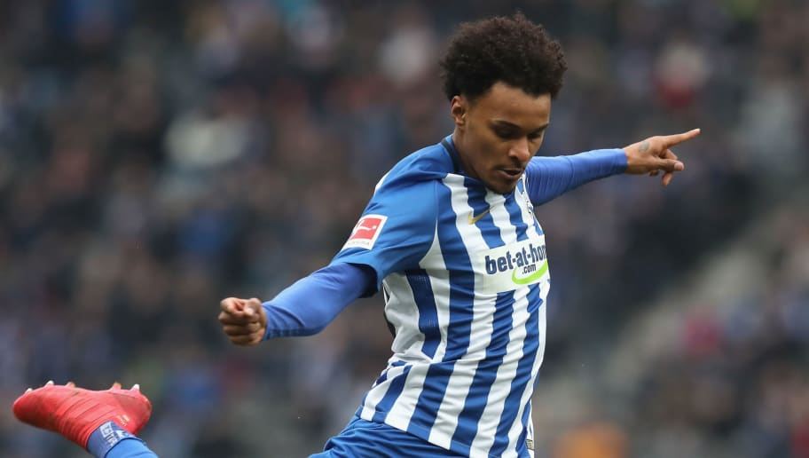BERLIN, GERMANY - MARCH 10: Valentino Lazaro of Hertha BSC controls the ball during the Bundesliga match between Hertha BSC and Sport-Club Freiburg at Olympiastadion on March 10, 2018 in Berlin, Germany.  (Photo by Boris Streubel/Bongarts/Getty Images)