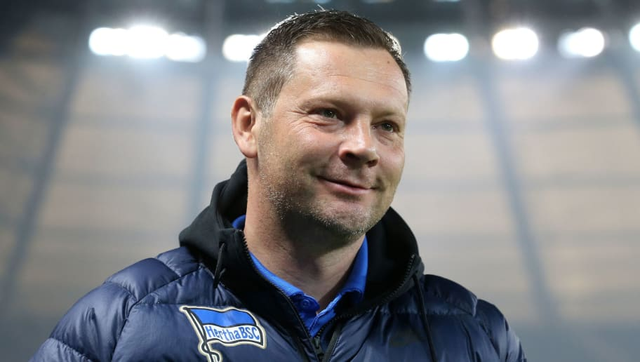 BERLIN, GERMANY - MARCH 31:  Head coach of Hertha Pal Dardai looks on prior the Bundesliga match between Hertha BSC and VFL Wolfsburg at Olympiastadion on March 31, 2018 in Berlin, Germany. (Photo by Matthias Kern/Bongarts/Getty Images)