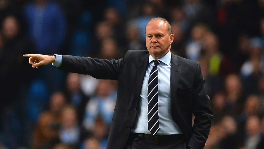 MANCHESTER, ENGLAND - APRIL 21:  Pepe Mel manager of West Bromwich Albion signals during the Barclays Premier League match between Manchester City and West Bromwich Albion at Etihad Stadium on April 21, 2014 in Manchester, England.  (Photo by Laurence Griffiths/Getty Images)