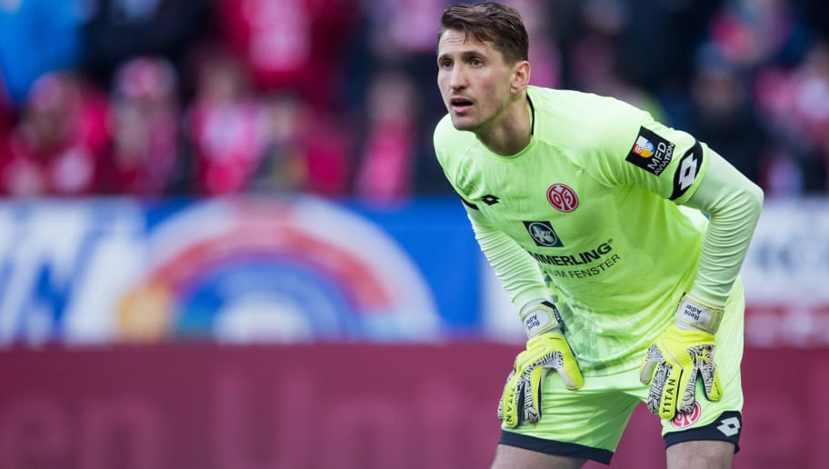 MAINZ, GERMANY - APRIL 01: Goalkeeper Rene Adler of Mainz looks on during the Bundesliga match between 1. FSV Mainz 05 and Borussia Moenchengladbach at Opel Arena on April 1, 2018 in Mainz, Germany. (Photo by Simon Hofmann/Bongarts/Getty Images)