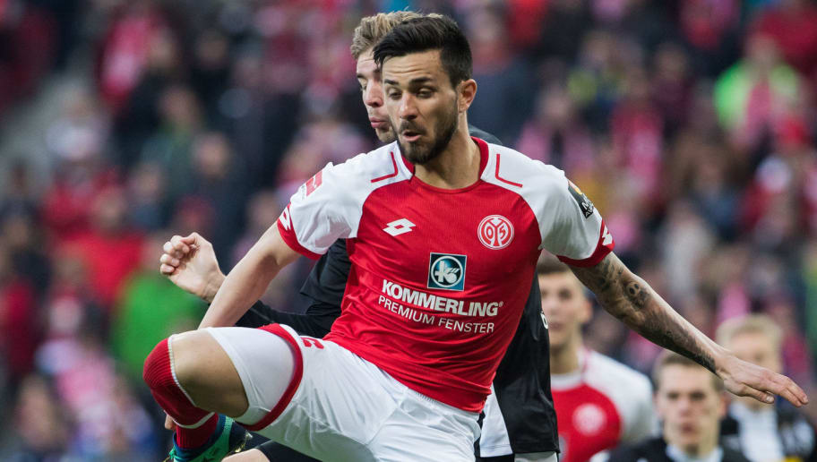 MAINZ, GERMANY - APRIL 01: Danny Latza of Mainz tries to score during the Bundesliga match between 1. FSV Mainz 05 and Borussia Moenchengladbach at Opel Arena on April 1, 2018 in Mainz, Germany. (Photo by Simon Hofmann/Bongarts/Getty Images)