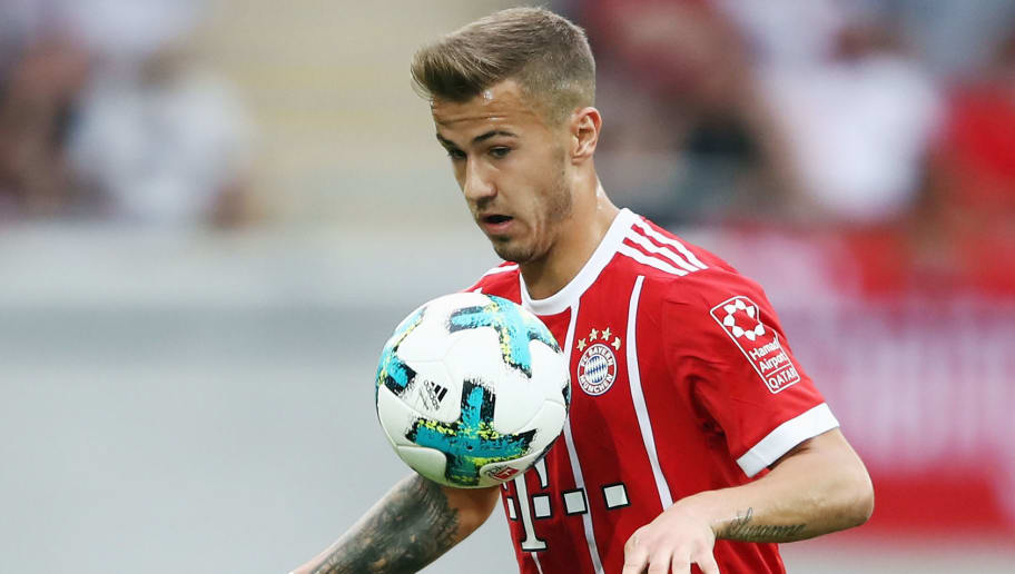 OFFENBACH, GERMANY - AUGUST 30: Niklas Dorsch of Muenchen controles the ball during a friendly match between Kickers Offenbach and FC Bayern Muenchen at Sparda-Bank-Hessen-Stadion on August 30, 2017 in Offenbach, Germany.  (Photo by Alex Grimm/Bongarts/Getty Images)