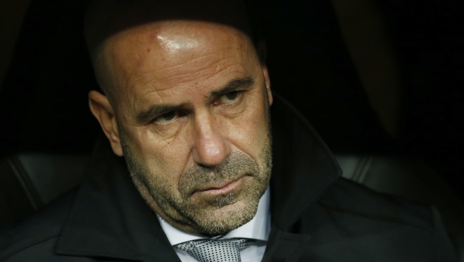 MADRID, SPAIN - DECEMBER 06:  Peter Bosz, head coach of Borussia Dortmund  during the UEFA Champions League group H match between Real Madrid and Borussia Dortmund at Estadio Santiago Bernabeu on December 6, 2017 in Madrid, Spain.  (Photo by Gonzalo Arroyo Moreno/Getty Images)